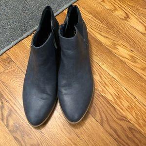 Simply Vera Vera wang blue boots 9.5